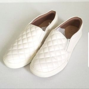 Shoes - White Slip On Sneakers Cream Quilted Sz 7.5 7.5w